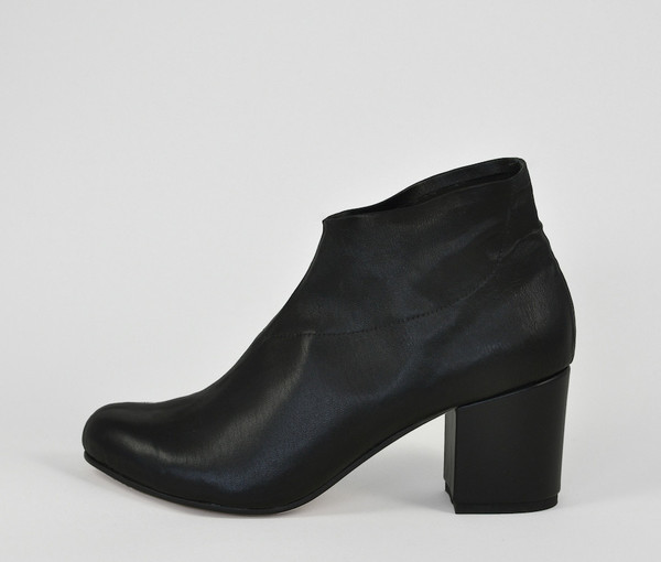 sano stretch bootie - black leather