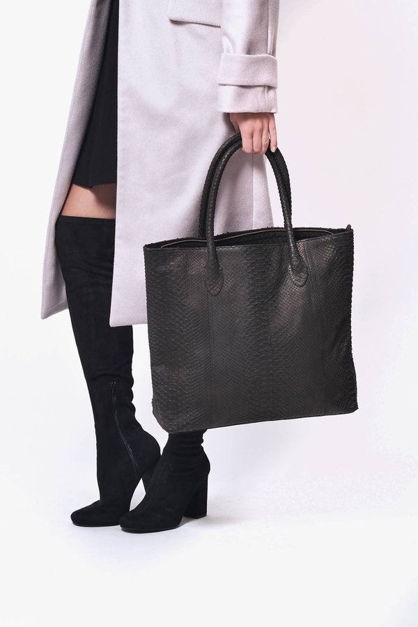 Primary New York Tall Tote - Black