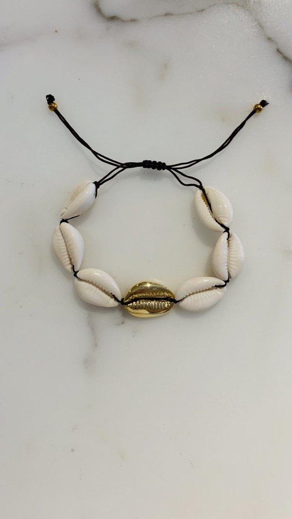 Maison Irem Oahu One Gold Shell Bracelet