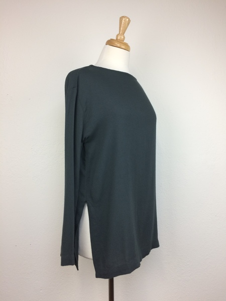Black Crane Long Slit Top