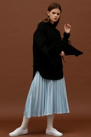 ROCKET LUNCH Velvet Pleated Skirt- Blue