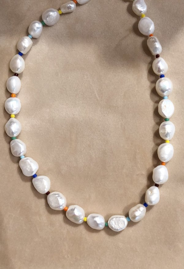 Nicole Kwon Concept Store Saltwater Rainbow Pearl Necklace