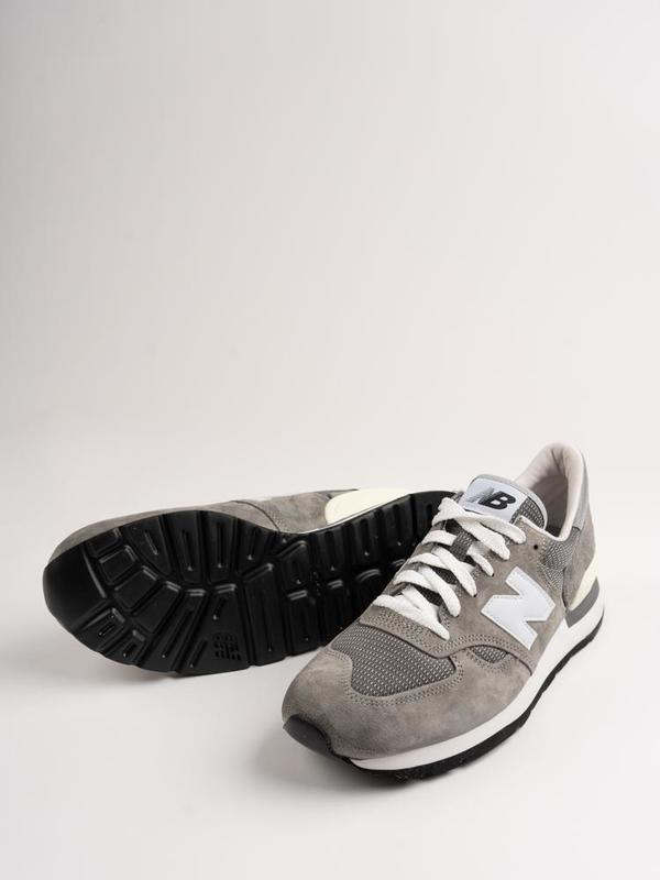 New Balance M990 GRY Sneakers
