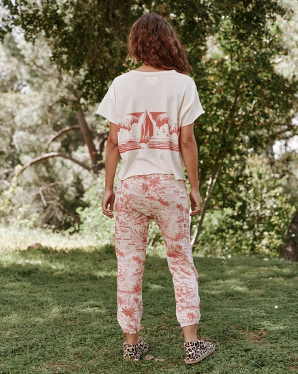 The Great. The Stadium Sweatpant - Red Palm