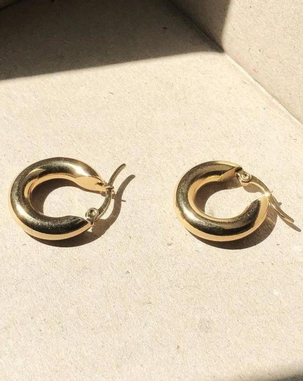 Common Muse Freja Medium Hoop Earring - Gold