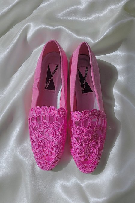 Vintage Lace Embroidered Flats - Pink