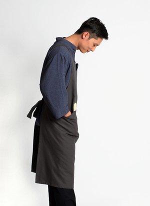 KAAREM Que Upstairs Pocket Apron - Charcoal