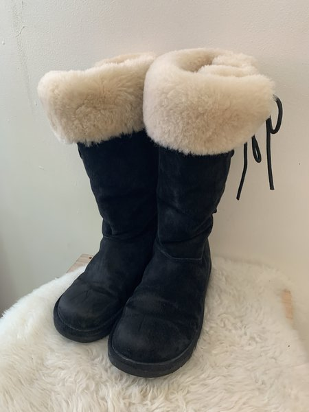 [pre-loved] Ugg Tall Lace Up Boots - Black