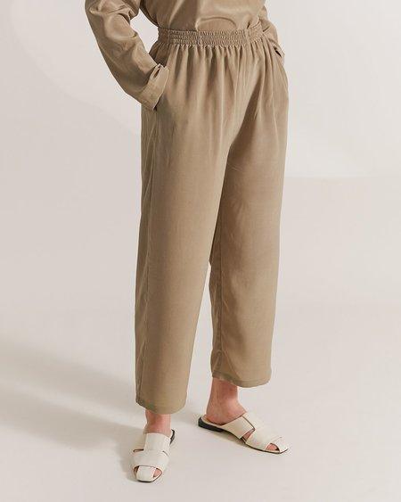 Maria Morgana peitha silk pants - sage