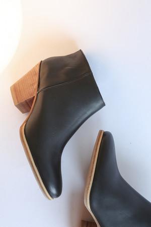 Rachel Comey Mars Classic Boot in Black/Natural