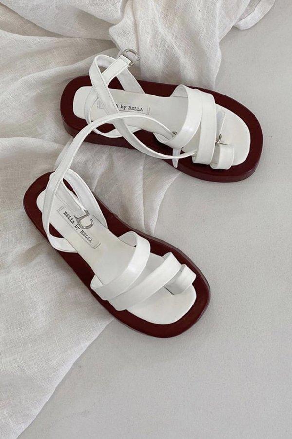 W A N T S Kara Sandals