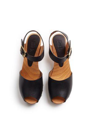 Lisa B. leather peep toe clogs - black