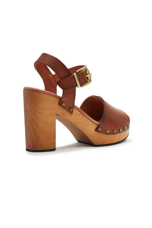 Lisa B. Platform Leather Clogs - Tan