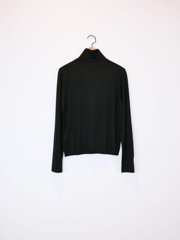 Allude Turtle Neck Sweater - Black