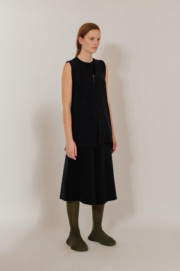 Oyuna Menna Knitted Sleeveless Jacket - Star Black