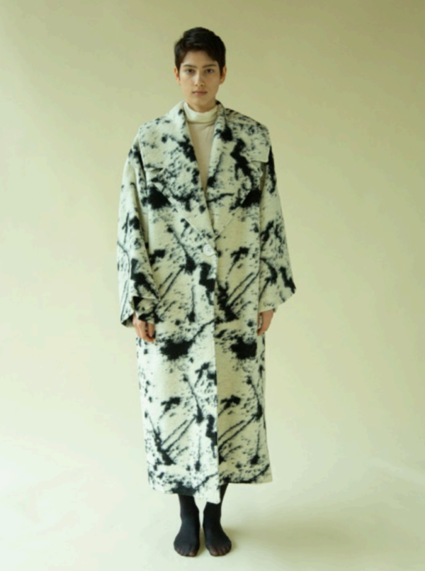 Mariam Al Sibai Blanket Coat - Black/White
