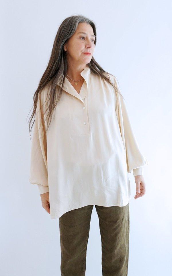 HOPE Pearl Shirt - Soft Beige