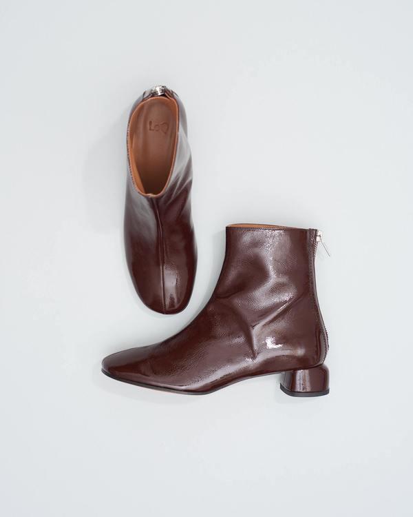 LOQ Lola Crinkle Patent Heels - Ganache