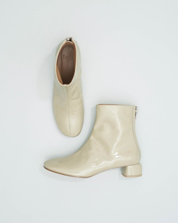 LOQ Lola Crinkle Patent Boots - Ash