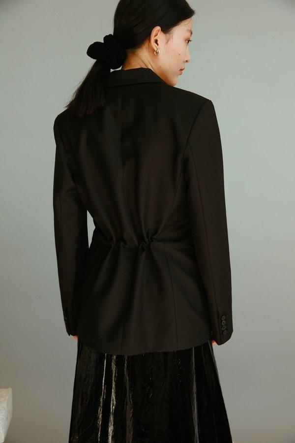 JOWA. Cafe noir Hidden String Blazer - Black