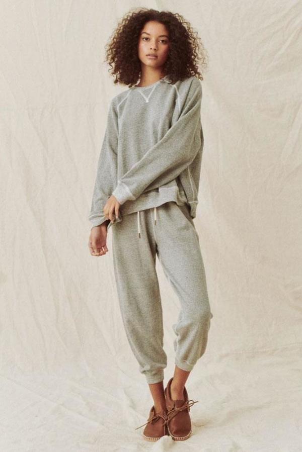 The Great. The Cropped Sweatpant - Varsity Grey