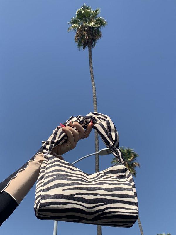 Find Me Now Zebra Shoulder Bag - BLACK/WHITE