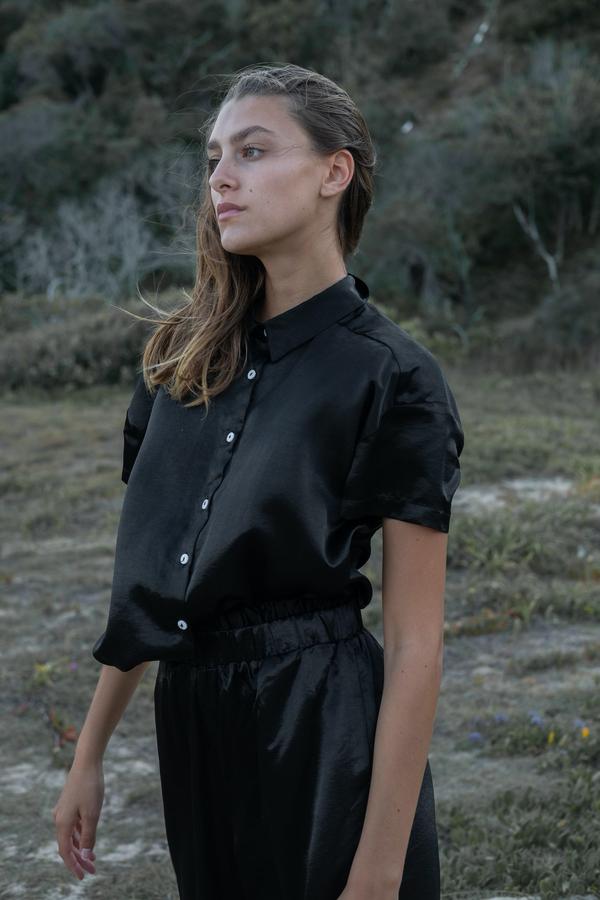 Wellington Factory Capri Shirt - Black