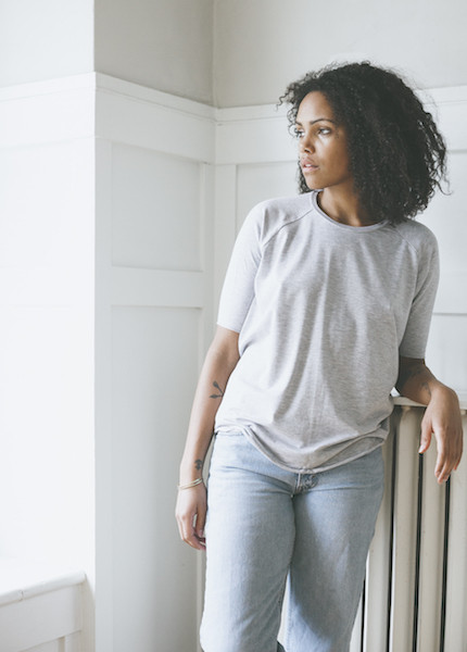 Tessa Hughes Raglan Tee - Light Heather Grey