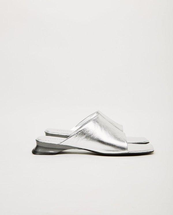 DORATEYMUR Sporty Slipper - Silver