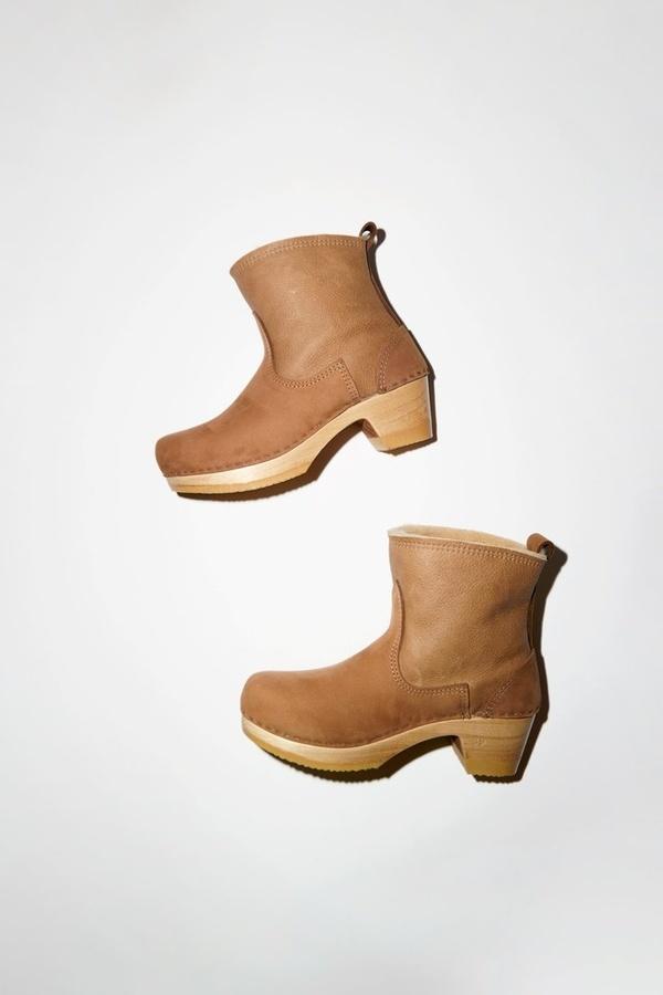 No.6 Pull On Mid Heel Shearling Clog Boot