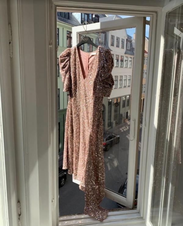 Notes du Nord Palma Drape Dress - Rose Gold