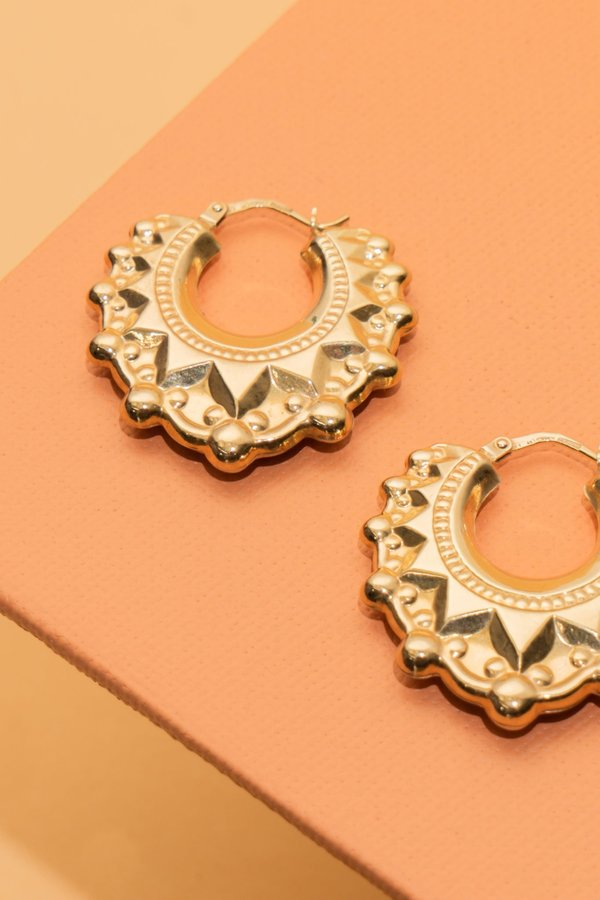 WOLF & GYPSY VINTAGE Aurum V-Shaped Round Creole Large Earrings - Gold