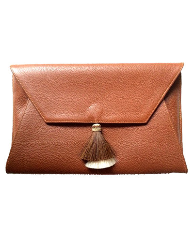 Oliveve cleo envelope clutch in cognac cow leather with horsehair tassel