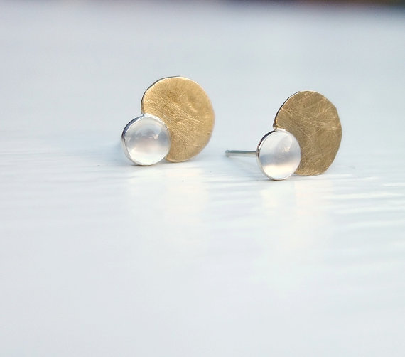 Knuckle Kiss Pod Studs