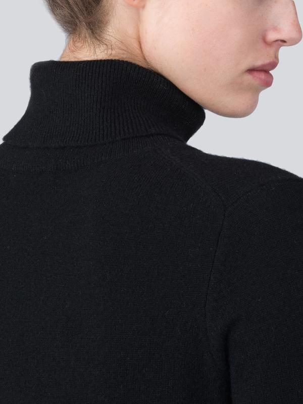 Turtleneck Slimfit Dress_Black