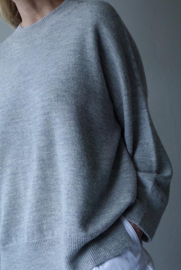 LAUREN MANOOGIAN WIDE CREWNECK sweater - light grey