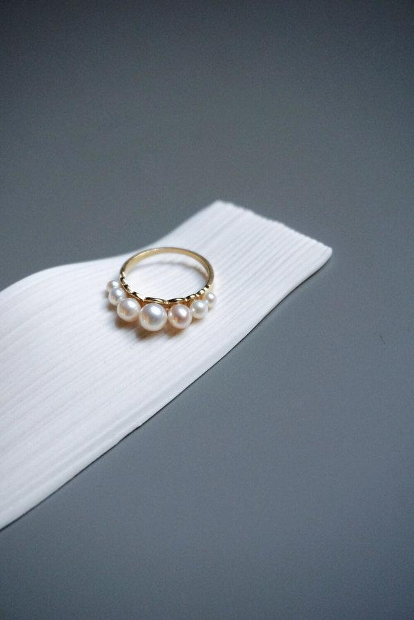Beatriz Palacios Domina Pearls Ring