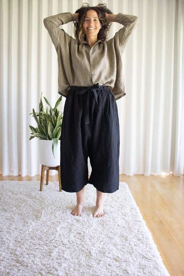ICHI ANTIQUITES Kotohiradaki Linen Pants - Black