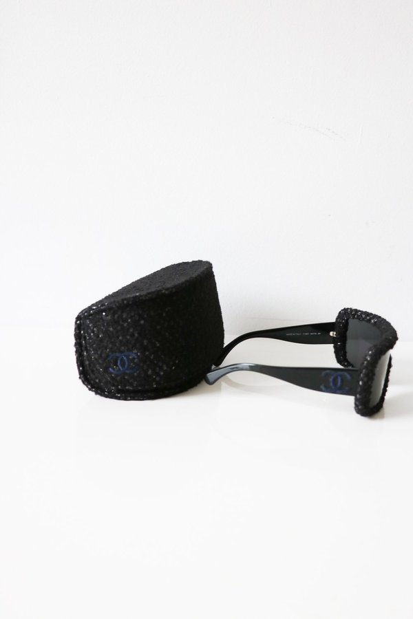 [Pre-loved] Chanel Shield Sunglasses - Black/White