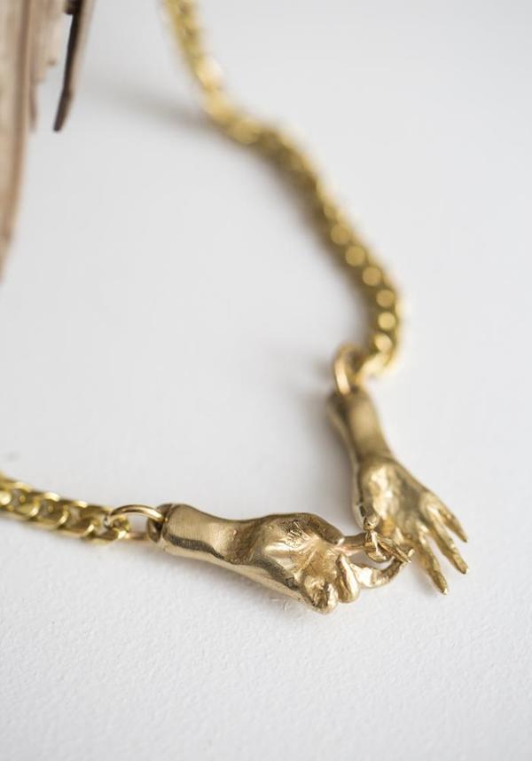 Water Sand Stone Interlock Necklace - brass