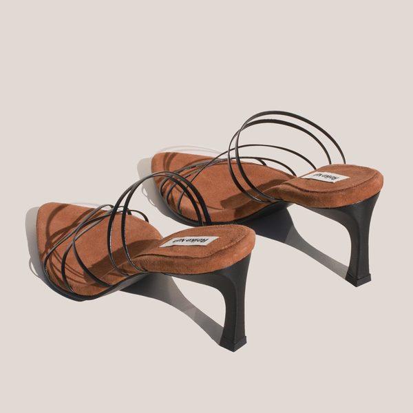 Reike Nen 5 Strings Pointed Sandals - Black/Rose Pink