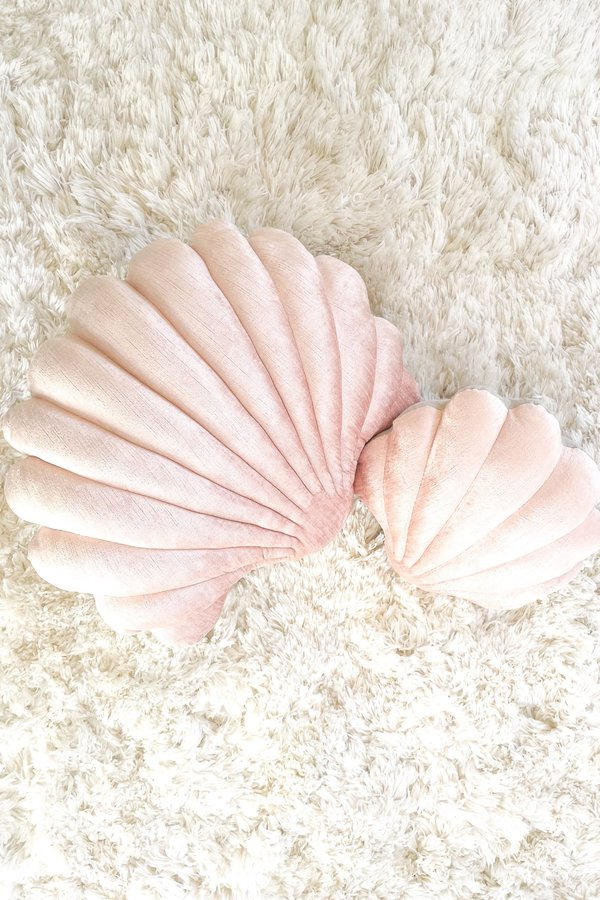 Tamar Mogendorff Coral Velvet Shell Pillow - Coral
