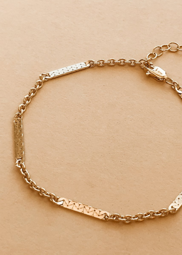 Decora bracelet