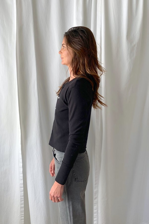 RE/DONE 50s Button Cropped Long top - black