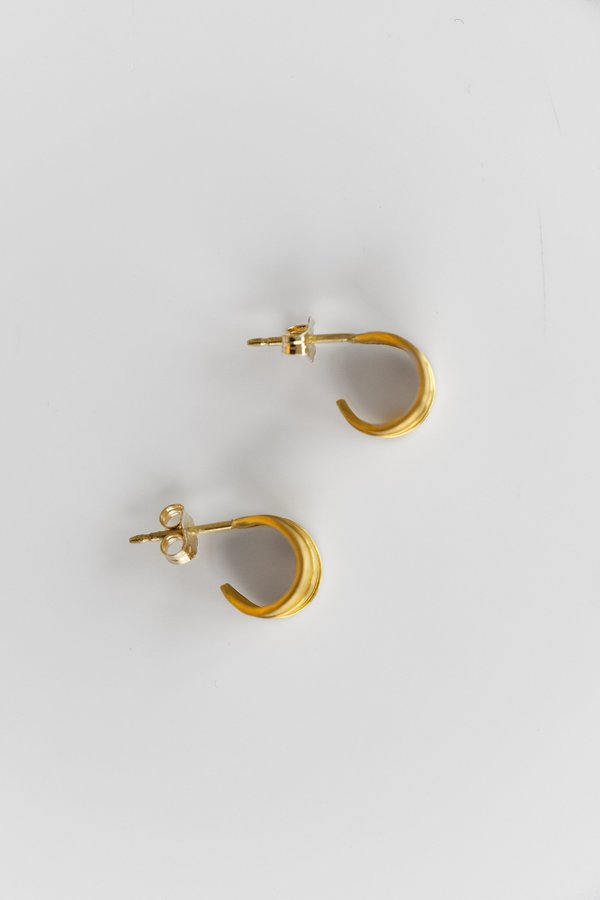 Prounis Small Laurel Hoop Earrings