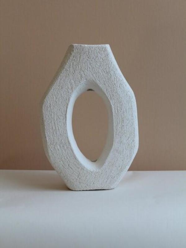 Kera Clay Single Stem Vase Sculpture