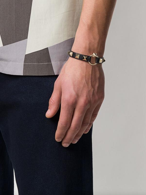 Valentino Rockstud-Embellished Bracelet - black