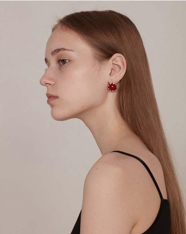 YVMIN Blood pearl earrings - Silver