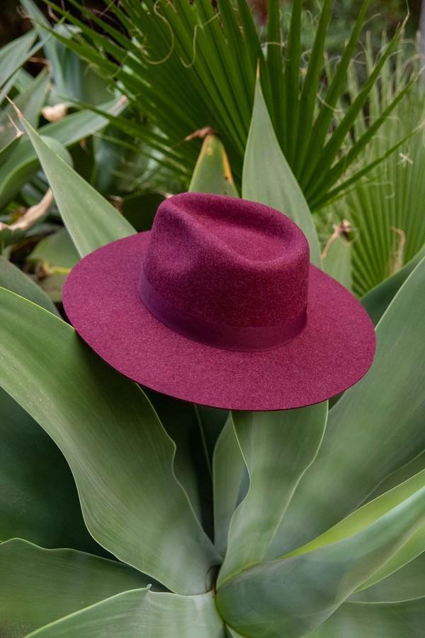 WYETH Hard Brim Hat - Lila
