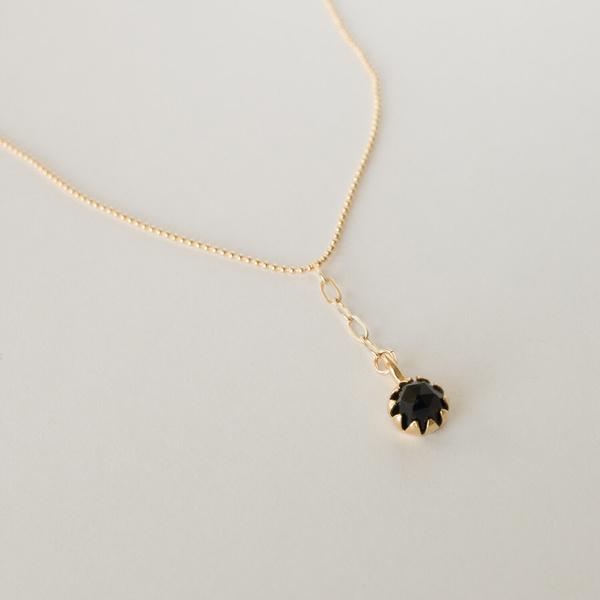Merewif Onyx Moon Bloom Necklace - Black